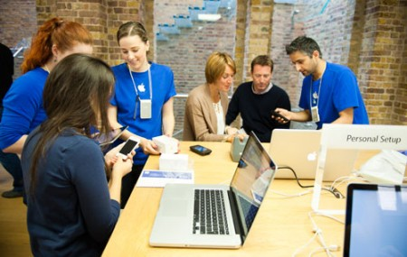 apple_workers-450x286